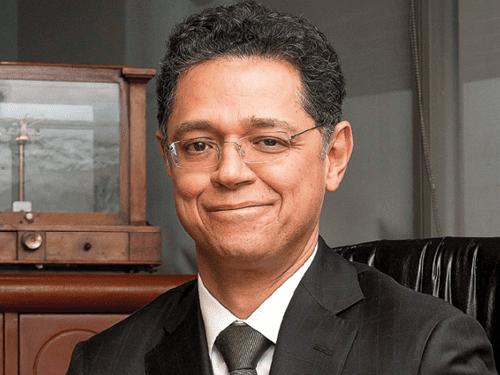 Dr. César Hernández Ochoa